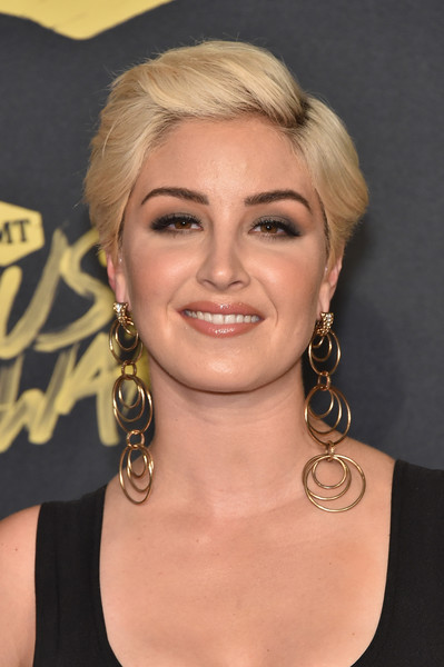 Maggie Rose Short Side Part [hair,face,hairstyle,blond,eyebrow,chin,beauty,forehead,lip,cheek,arrivals,maggie rose,bridgestone arena,nashville,tennessee,cmt music awards]