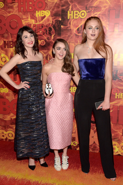 Maisie Williams Beaded Clutch [flooring,carpet,fashion,dress,girl,red carpet,fun,friendship,formal wear,product,actresses,sophie turner,sibel kekilli,maisie williams,emmy,l-r,pacific design center,hbo,arrivals,party]