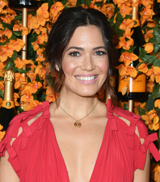 Mandy Moore Messy Updo [hair,hairstyle,peach,smile,arrivals,mandy moore,los angeles,pacific palisades,california,will rogers state historic park,veuve clicquot polo classic]