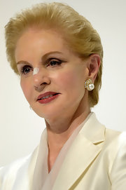 For her hairstyle, Carolina Herrera kept it simple yet elegant with this short straight 'do.