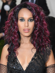 Kerry Washington was rocker-glam with her high-volume purple-streaked curls at the Met Gala.