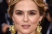 Zoey Deutch Chignon