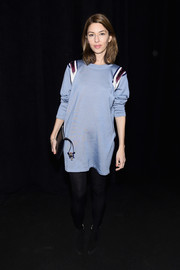 Sofia Coppola kept it relaxed in a loose blue sweater dress at the Marc Jacobs fashion show.