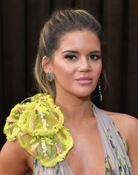Maren Morris Pink Lipstick [red carpet,hair,hairstyle,beauty,fashion,yellow,chin,blond,shoulder,model,fashion accessory,maren morris,staples center,los angeles,california,grammy awards,annual grammy awards]