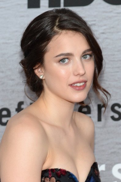Margaret Qualley Messy Updo [the leftovers premieres,the leftovers,hair,face,hairstyle,beauty,eyebrow,chin,brown hair,lip,blond,black hair,margaret qualley,nyc,nyu skirball center,premiere]
