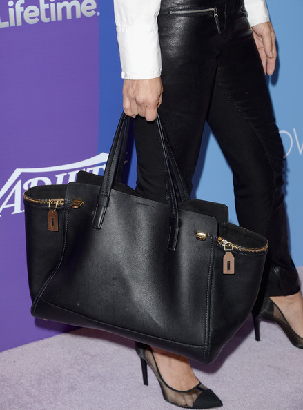 Maria Bello Leather Tote [bag,handbag,tote bag,fashion accessory,cobalt blue,leather,electric blue,kelly bag,birkin bag,fashion,maria bello,5th annual power of women,stars,power of women event,part,handbag detail,beverly wilshire four seasons hotel,variety,lifetime,event]