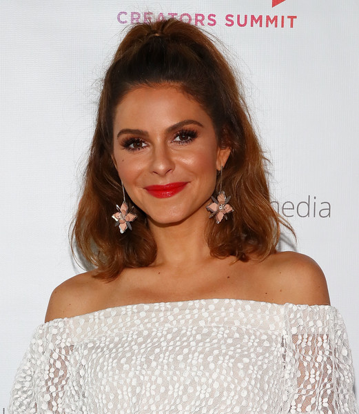 Maria Menounos Red Lipstick [hair,lip,face,shoulder,hairstyle,eyebrow,skin,beauty,chin,brown hair,pier 17,new york city,blogher18 creators summit,blogher18 creators summit,maria menounos]