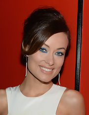 Olivia Wilde kept her bright eyeshadow stylish and not at all cheesey by swiping light blue across her lids and then using a darker indigo on the bottom lash lines.