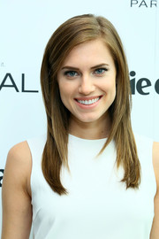 Allison Williams was flawlessly coiffed with this sleek layered cut during the Marie Claire Power Women Lunch.
