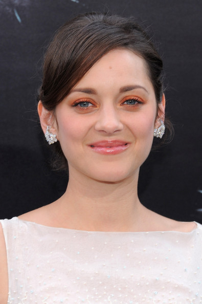 Marion Cotillard Bright Eyeshadow