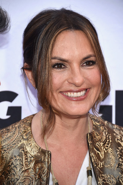 Mariska Hargitay Retro Updo [groundhog day,hair,face,hairstyle,eyebrow,chin,blond,layered hair,smile,long hair,brown hair,mariska hargitay,curtain call,new york city,august wilson theatre,opening night - arrivals,opening night]
