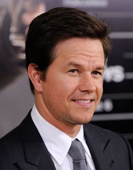 More Pics Of Mark Wahlberg Short Straight Cut 3 Of 10 Mark Wahlberg Lookbook Stylebistro