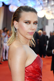 Scarlett Johansson teamed a chain earring by Ana Khouri with a slicked-back hairstyle for an edgy-glam look during the Venice Film Festival screening of 'Marriage Story.'