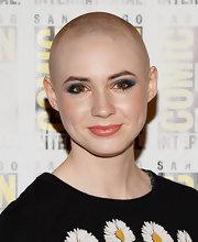 Karen Gillan brought out the pink in her cheeks with a rosy pink lipstick/