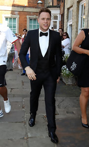 Olly Murs looked great in a tuxedo at Marvin Humes and Rochelle Wiseman's wedding.
