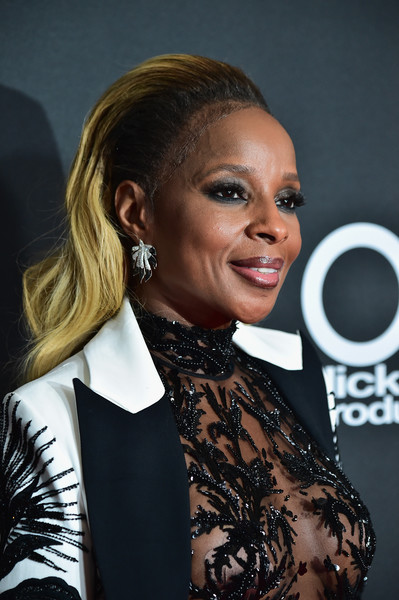 Mary J. Blige Long Wavy Cut