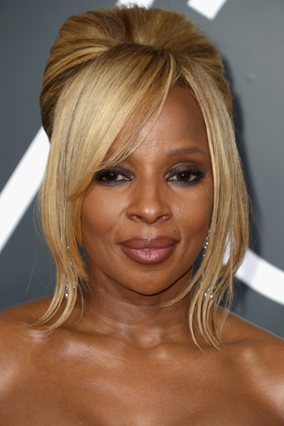 Mary J. Blige Beehive [hair,face,hairstyle,blond,eyebrow,chin,layered hair,hair coloring,bangs,forehead,arrivals,mary j. blige,beverly hills,california,the beverly hilton hotel,golden globe awards,annual golden globe awards]