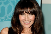 Mary Steenburgen Long Wavy Cut with Bangs