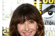 Mary Steenburgen Medium Wavy Cut with Bangs
