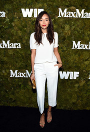 Ashley Madekwe finished off her monochromatic outfit with a pair of capri pants.