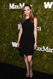 Eva Amurri Martino styled her frock with elegant Max Mara ankle-strap sandals in black with gold trim.