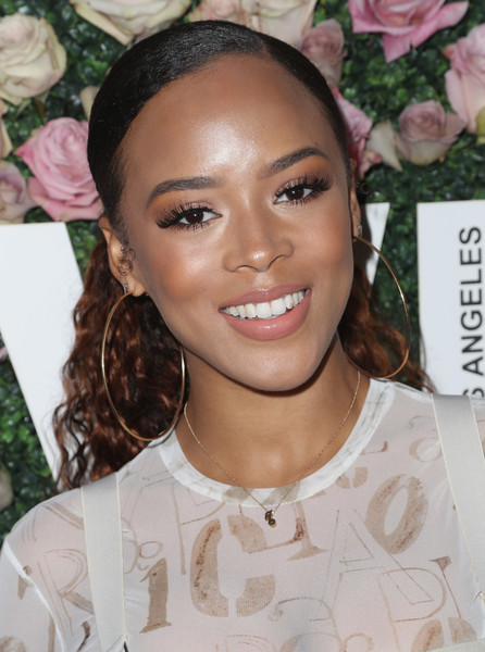 Serayah styled her hair into a ponytail that was slicked down at the top and curly at the back for the 2017 Face of the Future event.