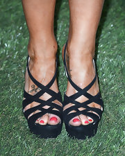 Kellie rocked these sexy strappy sandals while at the Maxim Hot 100 Party.