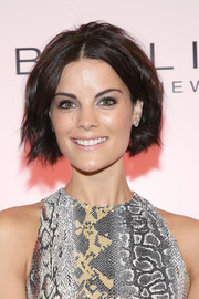 Jaimie Alexander sported a subtly wavy bob during Maybelline's 100th anniversary party.
