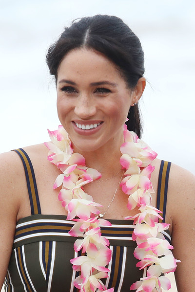 Meghan Markle Ponytail [pink,beauty,lei,hairstyle,photo shoot,fashion accessory,photography,black hair,smile,members,mental health,wellbeing,australia,sussex,duchess,duke and duchess of sussex visit,onewave,duke,talks]