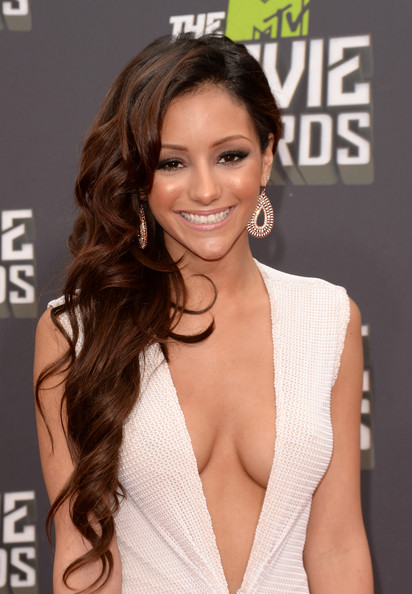 Melanie Iglesias Long Wavy Cut