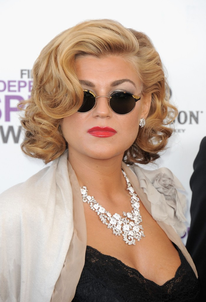 Melody Gardot Curled Out Bob Short Hairstyles Lookbook