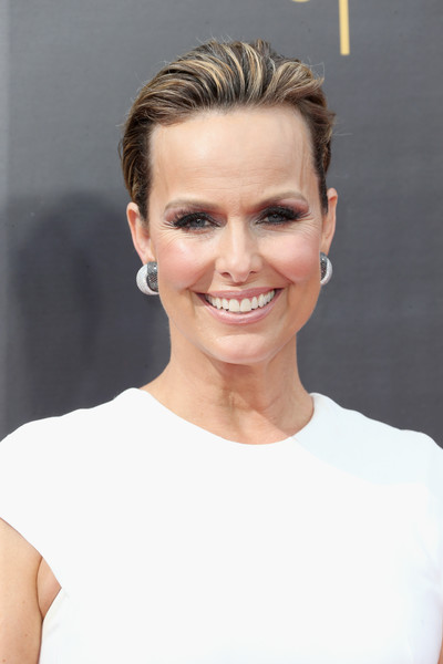 Melora Hardin Fauxhawk [hair,face,eyebrow,hairstyle,chin,skin,blond,forehead,beauty,lip,arrivals,melora hardin,creative arts emmy awards,california,los angeles,microsoft theater]