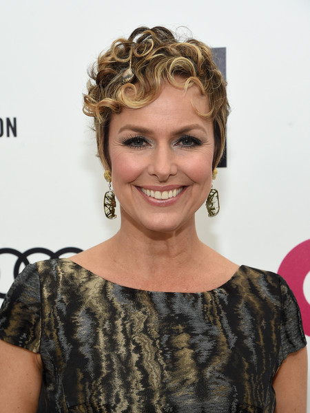Melora Hardin Short Curls [hair,hairstyle,face,blond,beauty,ringlet,brown hair,long hair,hair coloring,smile,arrivals,melora hardin,elton john aids foundation oscars viewing party,part,california,los angeles,elton john aids foundation academy awards viewing party]
