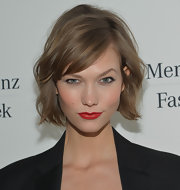 Karlie Kloss sported a short and sweet wavy cut during Mercedes-Benz Fashion Week.