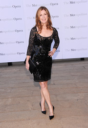 Dana Delany kept it classic all the way down to her black pointy pumps.