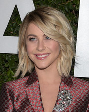 Julianne Hough looked stylish with her short wavy 'do at the 'Young Hollywood' launch.