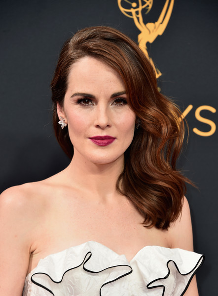 Michelle Dockery Dangling Diamond Earrings [hair,face,eyebrow,lip,beauty,hairstyle,skin,chin,shoulder,forehead,arrivals,michelle dockery,microsoft theater,los angeles,california,primetime emmy awards]