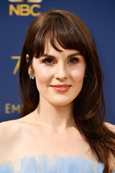 Michelle Dockery Long Straight Cut with Bangs [hair,face,hairstyle,eyebrow,chin,bangs,brown hair,lip,beauty,blond,arrivals,michelle dockery,emmy awards,70th emmy awards,microsoft theater,los angeles,california]