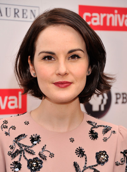 Michelle Dockery Red Lipstick [downton abbey,season,cast photo,hair,face,hairstyle,eyebrow,lip,shoulder,chin,skin,beauty,brown hair,michelle dockery,call,new york city,millenium hotel,cast photo call]
