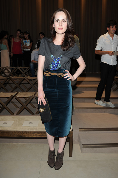 Michelle Dockery Graphic Tee [fashion model,fashion show,fashion,clothing,runway,fashion design,waist,haute couture,dress,event,michelle dockery,front row,part,milan,italy,burberry prorsum,menswear spring,milan fashion week,milan fashion week menswear spring]