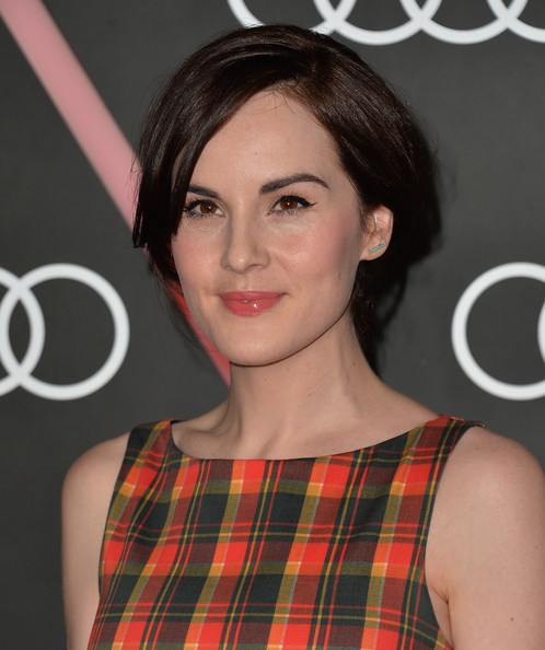 Michelle Dockery Loose Bun [hair,face,hairstyle,eyebrow,beauty,lip,chin,premiere,brown hair,layered hair,arrivals,michelle dockery,california,los angeles,cecconis restaurant,audi celebrates,golden globes,audi celebrates golden globes weekend]