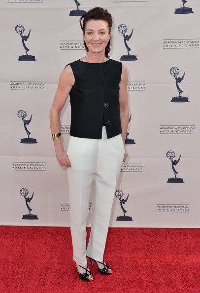 Michelle Fairley Clothes