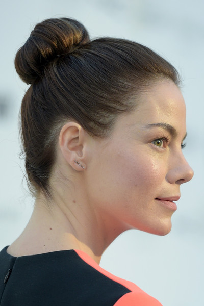 Michelle Monaghan Diamond Studs [women in film pre-oscar cocktail party,hair,face,hairstyle,chin,ear,neck,bun,cheek,beauty,nose,eighth annual women in film pre-oscar cocktail party,michelle monaghan,cocktails,tiffany co.,maxmara,bmw,mac cosmetics,perrier-jouet,red carpet]
