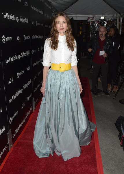 Michelle Monaghan Button Down Shirt [the vanishing of sidney hall,clothing,carpet,red carpet,dress,premiere,fashion model,flooring,fashion,hairstyle,long hair,red carpet,michelle monaghan,arclight hollywood,california,a24,directv,premiere]