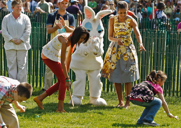 Michelle Obama Print Dress [mammal,vertebrate,plant,grass,fun,crowd,recreation,public event,sports,competition event,michelle obama,president,malia obama,r,children,tradition,afp out,white house,u.s.,easter egg roll]