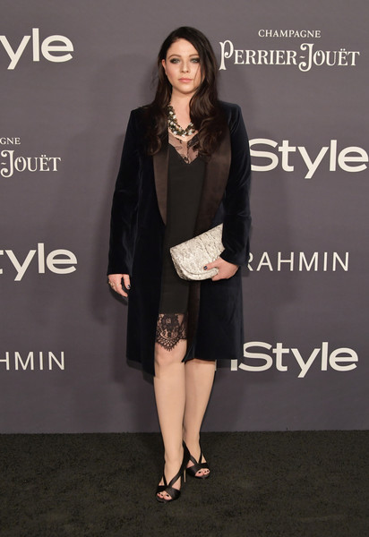 Michelle Trachtenberg Printed Clutch [little black dress,fashion model,formal wear,flooring,dress,fashion,shoulder,blazer,cocktail dress,outerwear,arrivals,michelle trachtenberg,the getty center,los angeles,california,3rd annual instyle awards]
