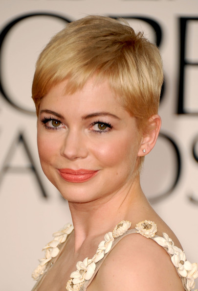 Michelle Williams Pixie [hair,eyebrow,blond,hairstyle,human hair color,beauty,chin,forehead,layered hair,fashion model,arrivals,michelle williams,hotel,beverly hills,california,the beverly hilton,golden globe awards]