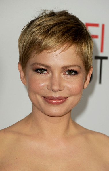 Michelle Williams Pixie [my week with marilyn,hair,face,hairstyle,eyebrow,chin,forehead,blond,head,skin,lip,michelle williams,grauman,special screening - red carpet,chinese theatre,california,hollywood,audi,afi fest,screening]