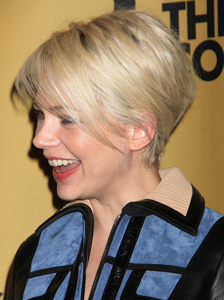 Michelle Williams Wedge [cabaret opening night,hair,hairstyle,blond,chin,bob cut,bangs,hair coloring,layered hair,long hair,brown hair,michelle williams,nyc,broadway,studio 54]