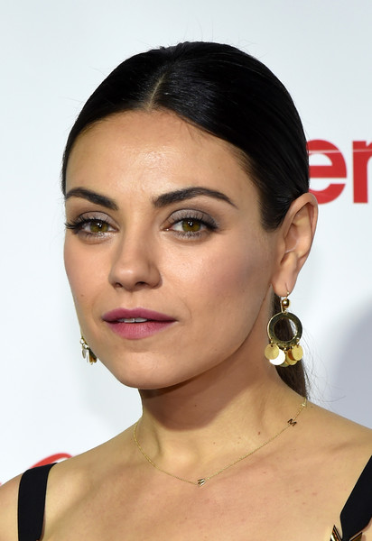 Mila Kunis Gold Hoops [hair,face,eyebrow,hairstyle,lip,chin,cheek,beauty,skin,nose,mila kunis,recipients,cinemacon big screen achievement awards,las vegas,nevada,coca-cola company,red carpet,cinemacon 2016,convention,female stars of the year award]